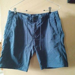 Zara shorts man